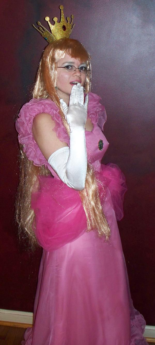 Princess Peach  sc 1 st  Amanda L. Goodman & Princess Peach Halloween 2009 Costume u2013 Amanda L. Goodman